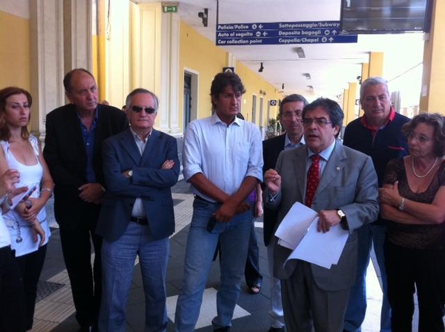 Emergenza trasporto ferroviario in sicilia enzo bianco e for Parlamentari del pd